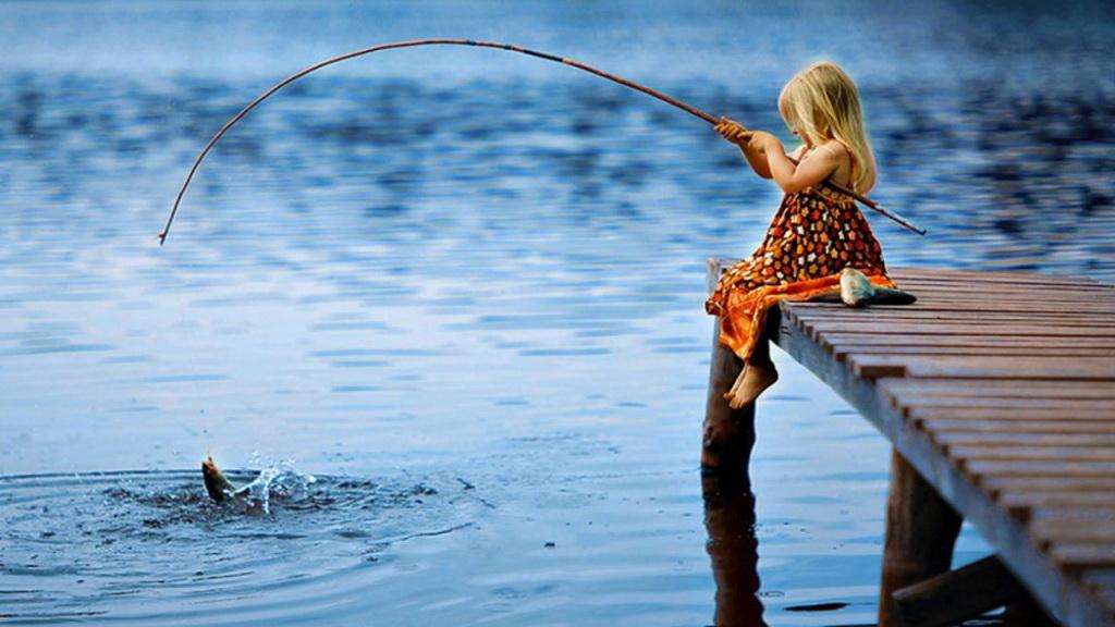 法语动画片:和Caillou一起去钓鱼吧!