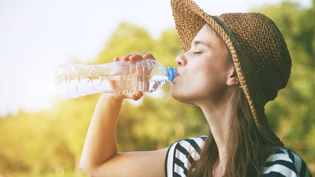 你会喝水吗?什么样的水合适自己?
